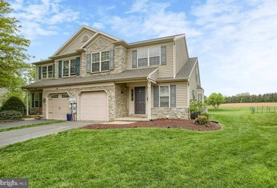 111 Bridle Path New Holland PA 17557