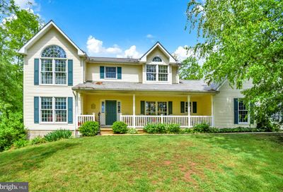 2450 Alees Drive New Windsor MD 21776