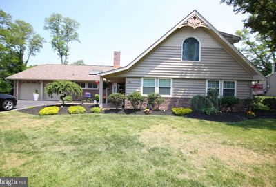 42 Rust Hill Road Levittown PA 19056