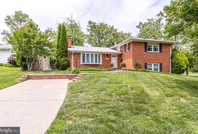 3700 Forest Grove Drive Annandale VA 22003