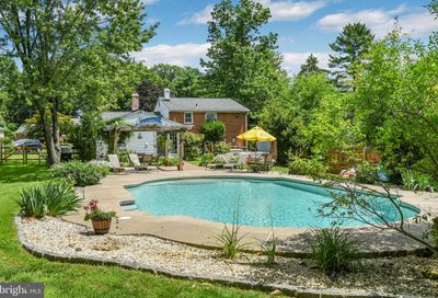39 Willowbrook Road Broomall PA 19008