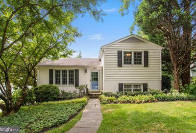 4302 Thornapple Street Chevy Chase MD 20815