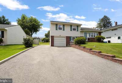 208 Canford Drive Broomall PA 19008