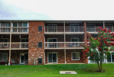 3501 Forest Edge Drive 14-3c Silver Spring MD 20906