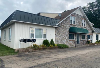 5015 Lincoln Highway Kinzers PA 17535