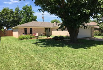 320 Mustang St Fritch TX 79036
