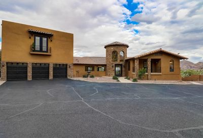 7525 N Clearwater Parkway Paradise Valley AZ 85253