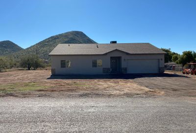 2235 E Cavalry Road New River AZ 85087