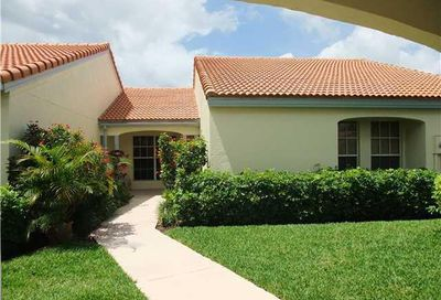 2252 Las Casitas Drive Wellington FL 33414