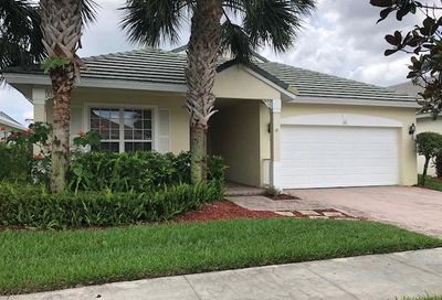 176 NW Swann Mill Circle Port Saint Lucie FL 34986