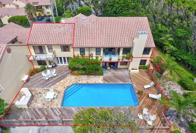 3 Via Lago Boynton Beach FL 33435