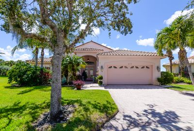 423 NW Aqua Vista Lane Port Saint Lucie FL 34986