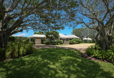 19 Country Road Village Of Golf FL 33436