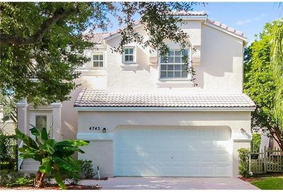 4745 NW 114th Drive Coral Springs FL 33076