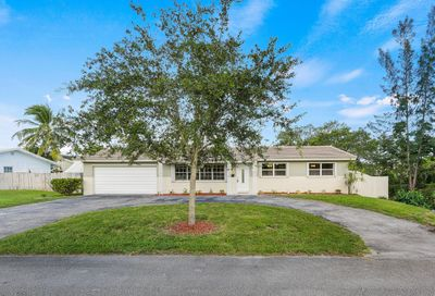4381 NW 75th Way Coral Springs FL 33065