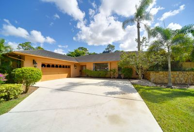 12090 Carriage Lane Wellington FL 33414