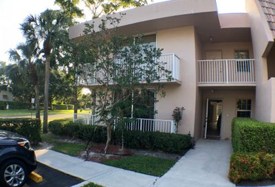 4200 Oaks Terrace Pompano Beach FL 33069