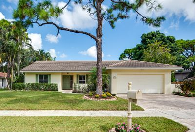 2437 NW 26th Circle Boca Raton FL 33431