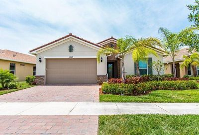 10113 SW Yellowwood Avenue Port Saint Lucie FL 34987