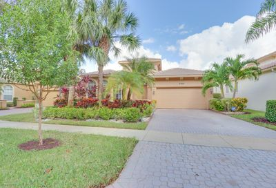 9905 Via Grande W Wellington FL 33411
