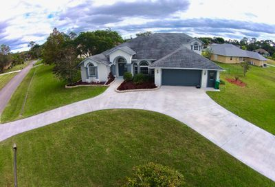 2086 SW Bird Avenue Port Saint Lucie FL 34953