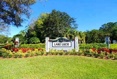 8247 Sandpine Circle Port Saint Lucie FL 34952