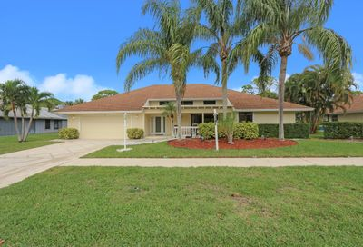 7 Shady Lane Tequesta FL 33469