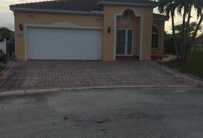 1402 SW 45 Way Deerfield Beach FL 33442