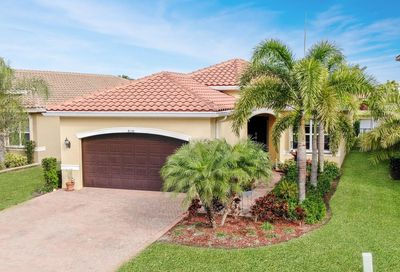 8136 Pinnacle Pass Way Boynton Beach FL 33473