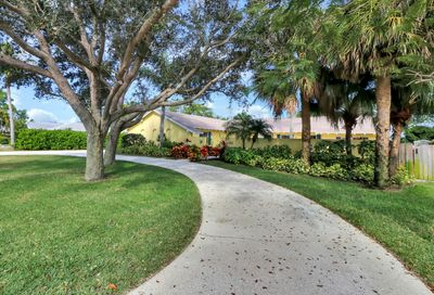 100 W Fairview Tequesta FL 33469