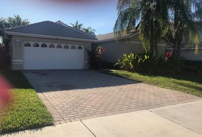 566 SW Saint Kitts Cove Port Saint Lucie FL 34986