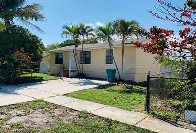 1435 NW 4th Street Boynton Beach FL 33435