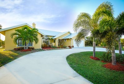 137 Queens Road Hutchinson Island FL 34949
