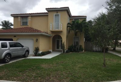 4363 NW 44 Ter Terrace Coconut Creek FL 33073