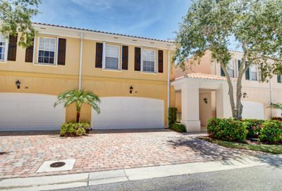 22 Tall Oaks Circle Tequesta FL 33469