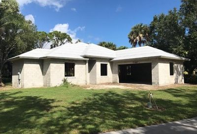 810 Carolina SW Circle Vero Beach FL 32962