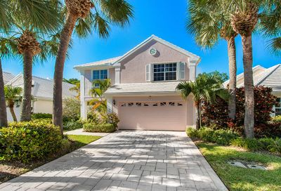 10 Hampton Court Palm Beach Gardens FL 33418