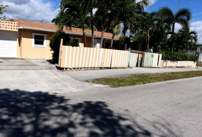 1124 Peak Road Lake Worth FL 33462