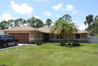 772 SE Walters Terrace Port Saint Lucie FL 34953