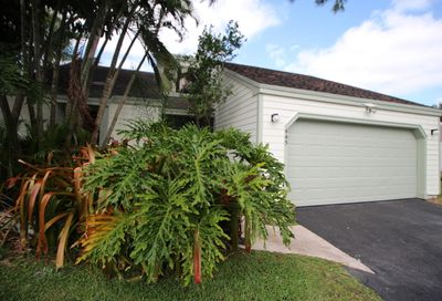 445 Oak Shadow Way Wellington FL 33414