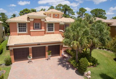 2246 Ridgewood Circle Royal Palm Beach FL 33411