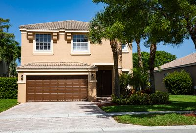 2015 Reston Circle Royal Palm Beach FL 33411