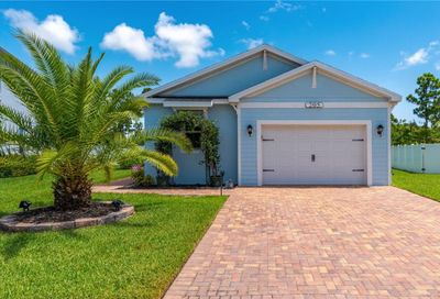 205 SE Via Visconti Port Saint Lucie FL 34952
