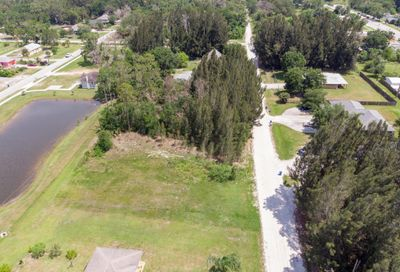 N Orange Street Fellsmere FL 32948