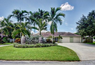 3650 Maria Theresa Avenue Palm Springs FL 33406