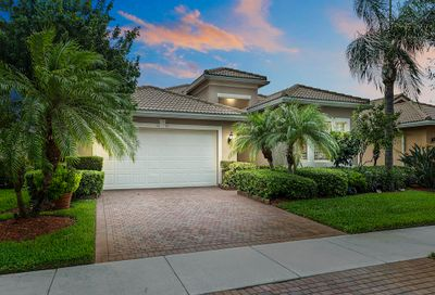 2082 Grey Falcon SW Circle Vero Beach FL 32962