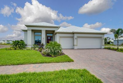 1099 2nd SW Manor Vero Beach FL 32962