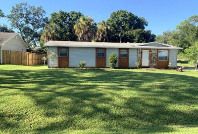 3475 2 Place Vero Beach FL 32968
