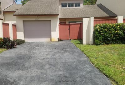 12827 Spinnaker Lane Wellington FL 33414