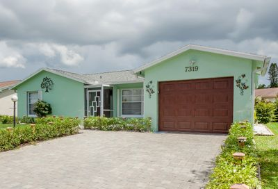 7319 Pineforest Circle Lake Worth FL 33467